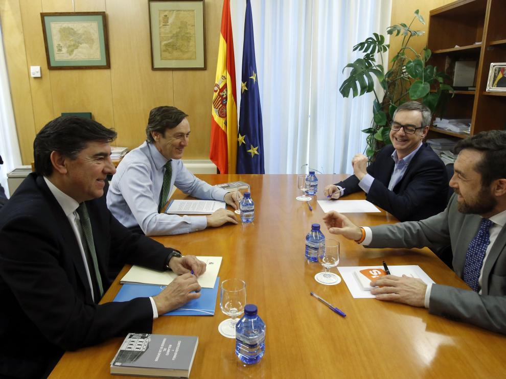 Reuniçon este martes entre representantes del PP y Ciudadanos.