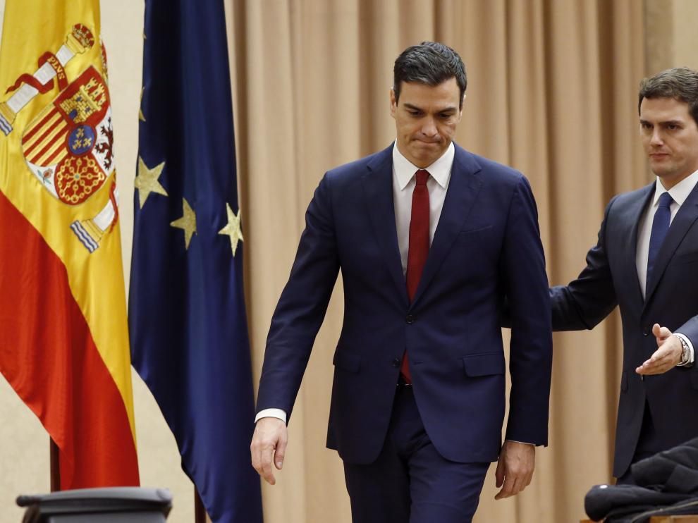 El secretario general del PSOE, Pedro Sánchez, y el presidente de Ciudadanos, Albert Rivera.