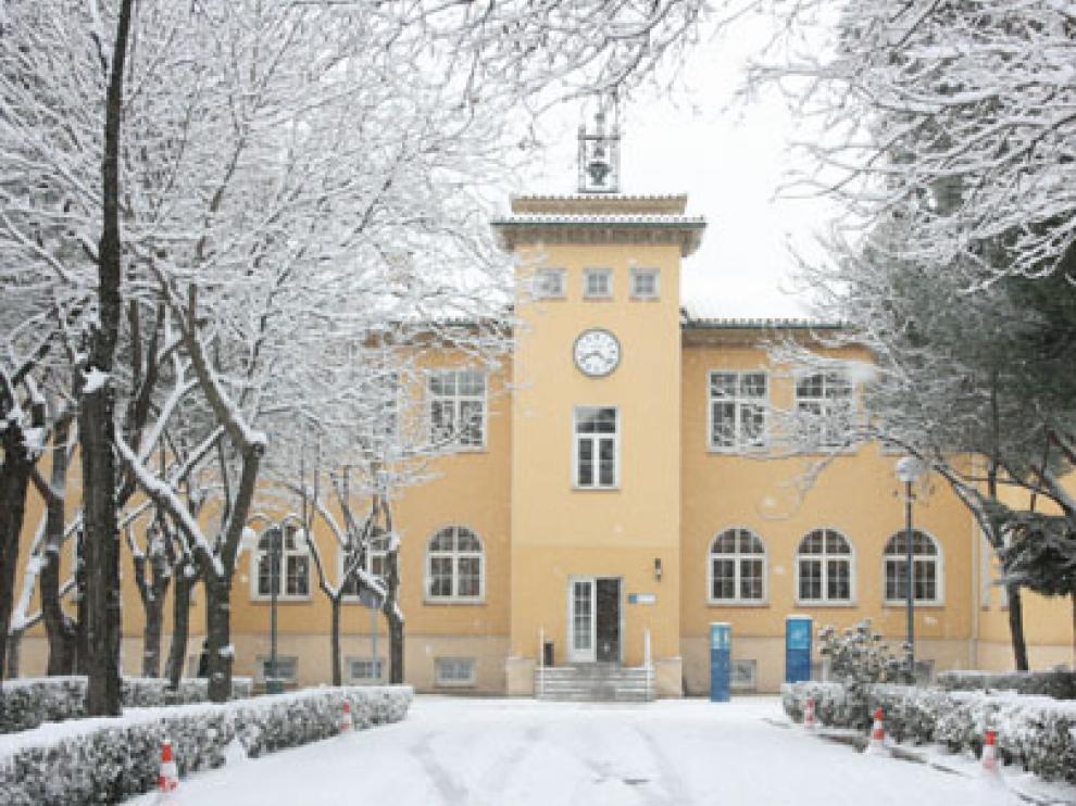 Una imagen del Instituto de Salud Carlos III, nevado.