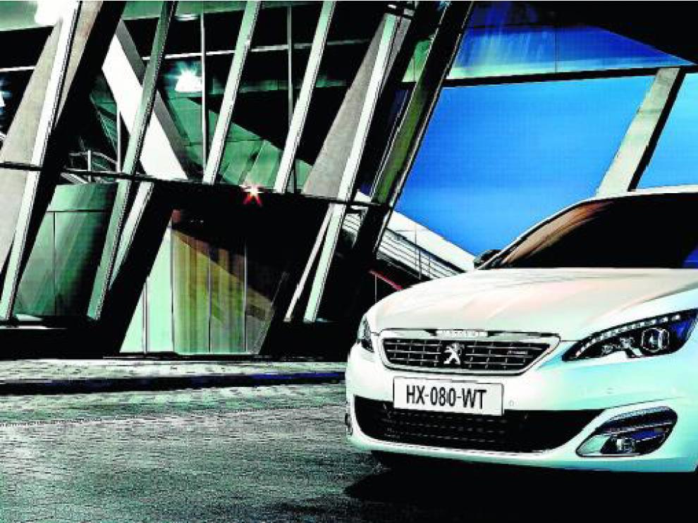 El Peugeot 308 se equipa con dos nuevas versiones, Style y GTLine.