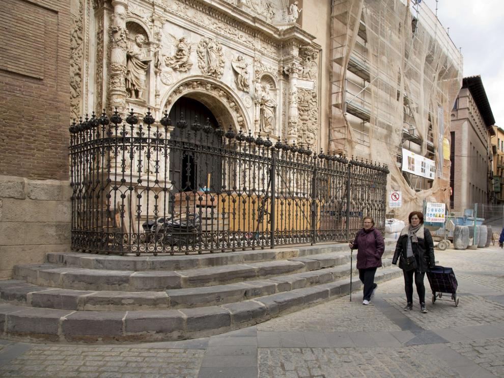 La colegiata de Santa María la Mayor de Calatayud se encuentra en proceso de restauración.