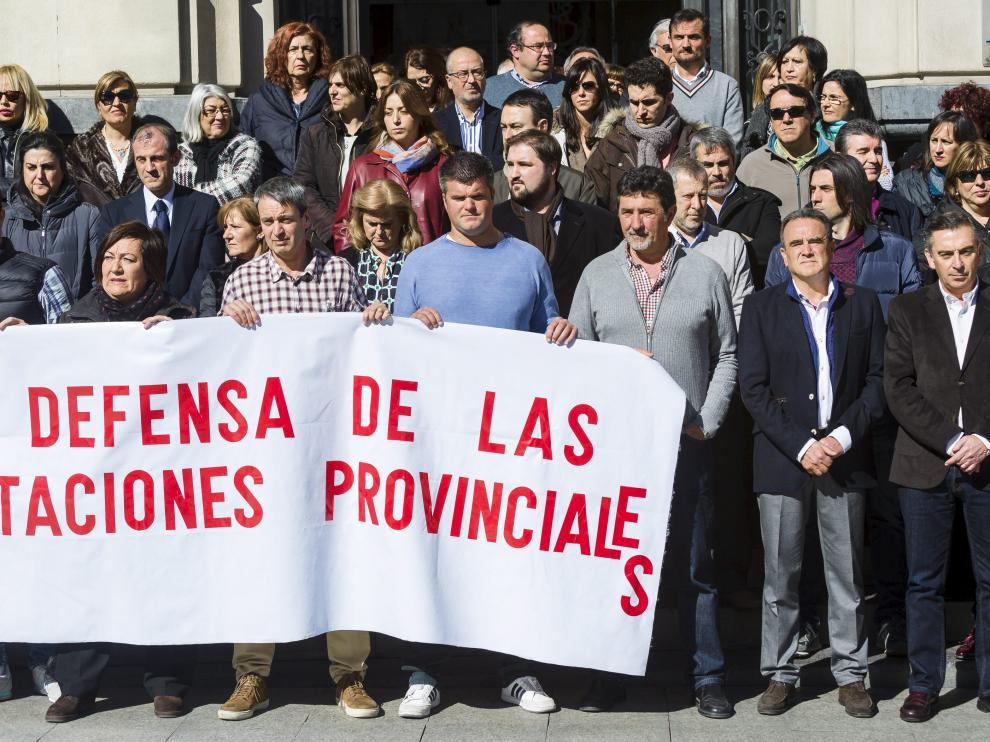 Concentración de trabajadores de la Diputación Provincial de Zaragoza.