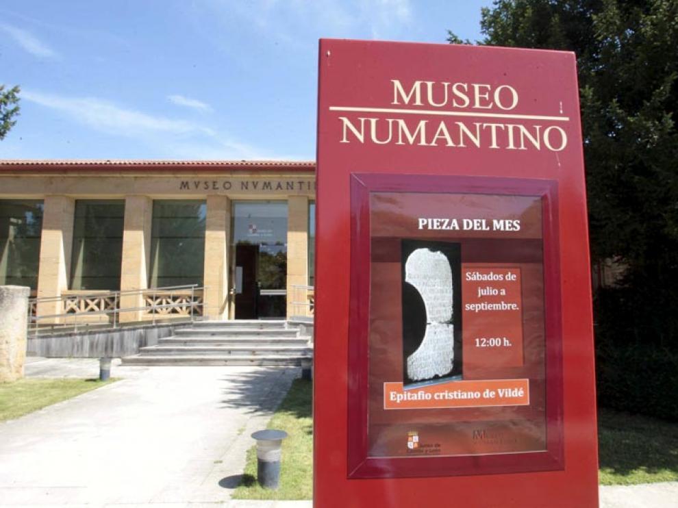Imagen tomada en el exterior del Museo Numantino.