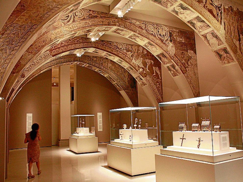 Las pinturas de la sala capitular de Sijena se exhiben en el MNAC.