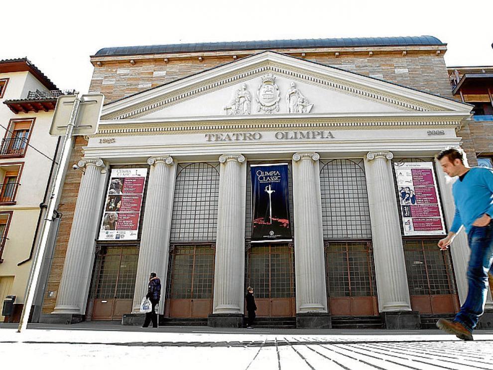 Teatro Olimpia. En su rehabilitación se invirtieron 9 millones de euros y sobre el edificio pesó un crédito hipotecario de 4 millones que fue cancelado cuando se vendió el cine Avenida.