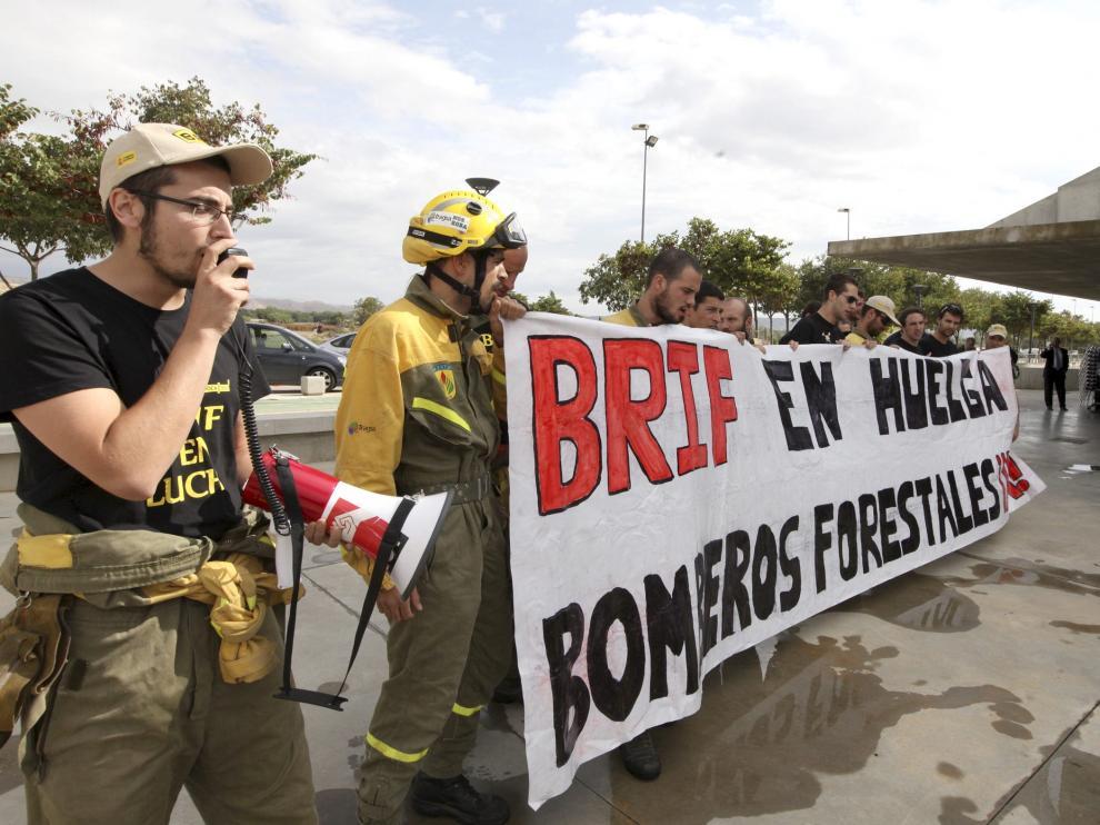 Una imagen de la protesta que acabó con los tres bomberos multados