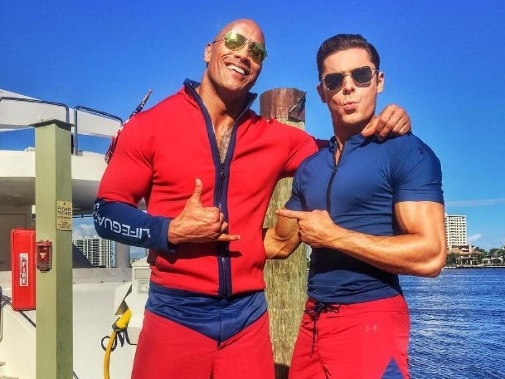 Dwayne 'The Rock' Johnson y Zac Efron