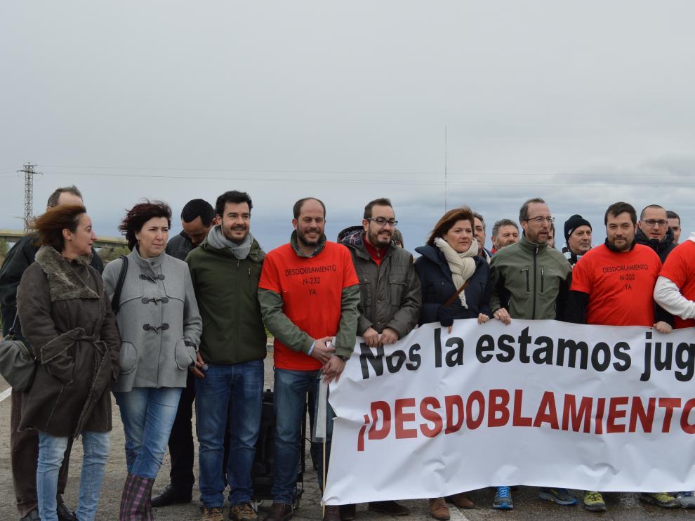Protesta por el parón de las obras de desdoblamiento de la N-232