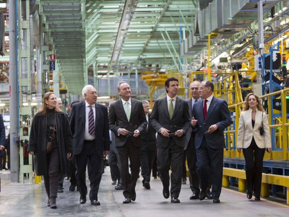 El ministro de Industria en funciones, José Manuel Soria, en la fábrica de Ford en Valencia.
