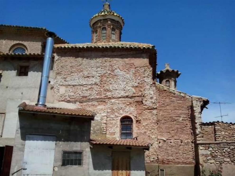 Se trata de la fachada noreste de la capilla de San Pedro de la iglesia parroquial de Nuestra Señora de la Asunción.