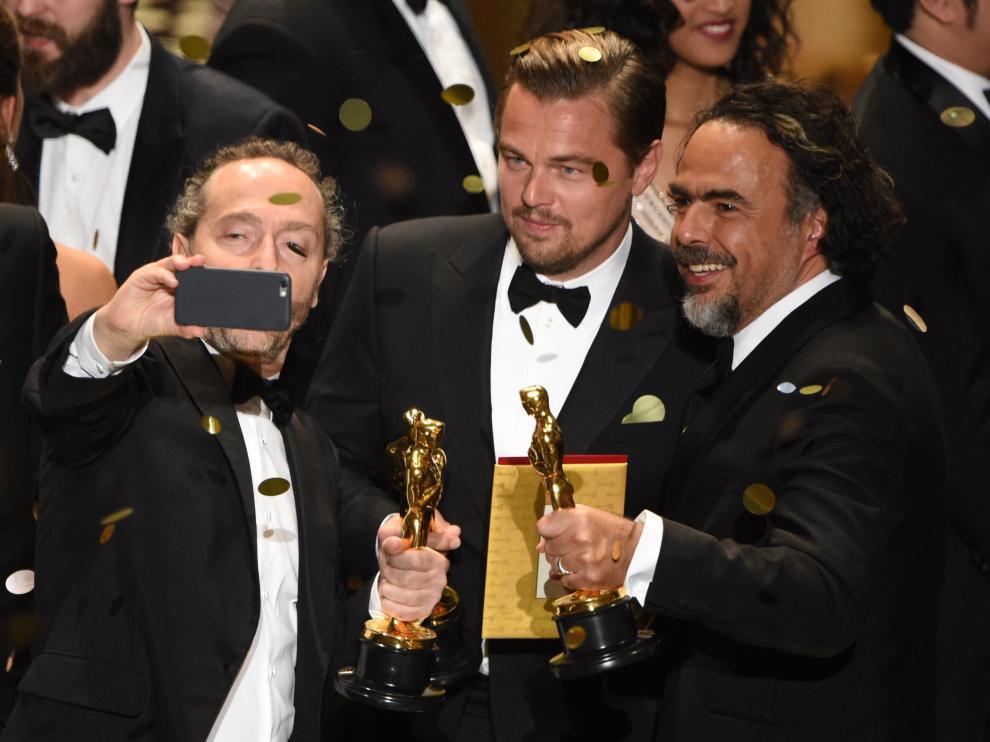 DiCaprio e Iñarritu se alzaron con los Óscar a mejor actor y mejor director por 'El Renacido'