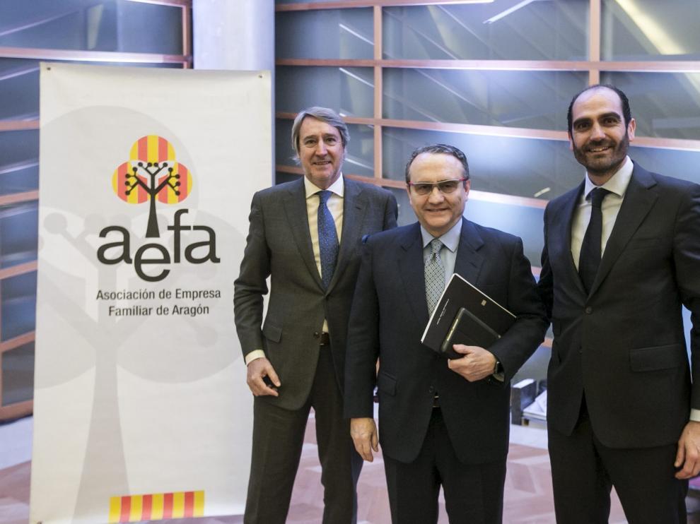Fernando Lacasa, Javier Moll y Daniel Rey, ayer en Zaragoza.