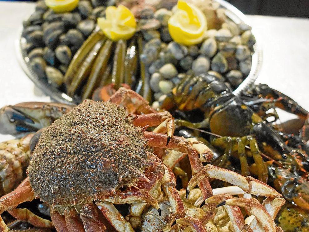 Bonitos ejemplares de distintas variedades de mariscos que se pueden degustar en Maris Galicia.