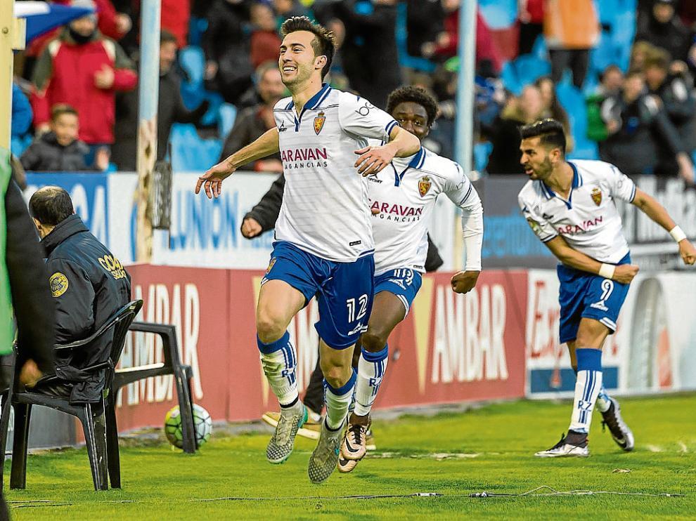 Manu Lanzarote celebra el gol que marcó ayer al Lugo.