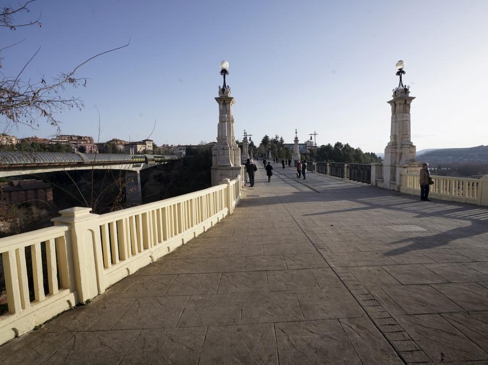 El Viaducto Viejo con la pintura amarilla que se ha aplicado.