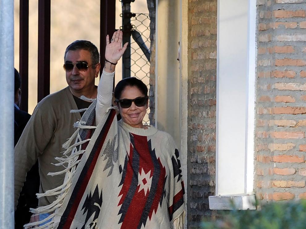 Isabel Pantoja a su salida de prisión.