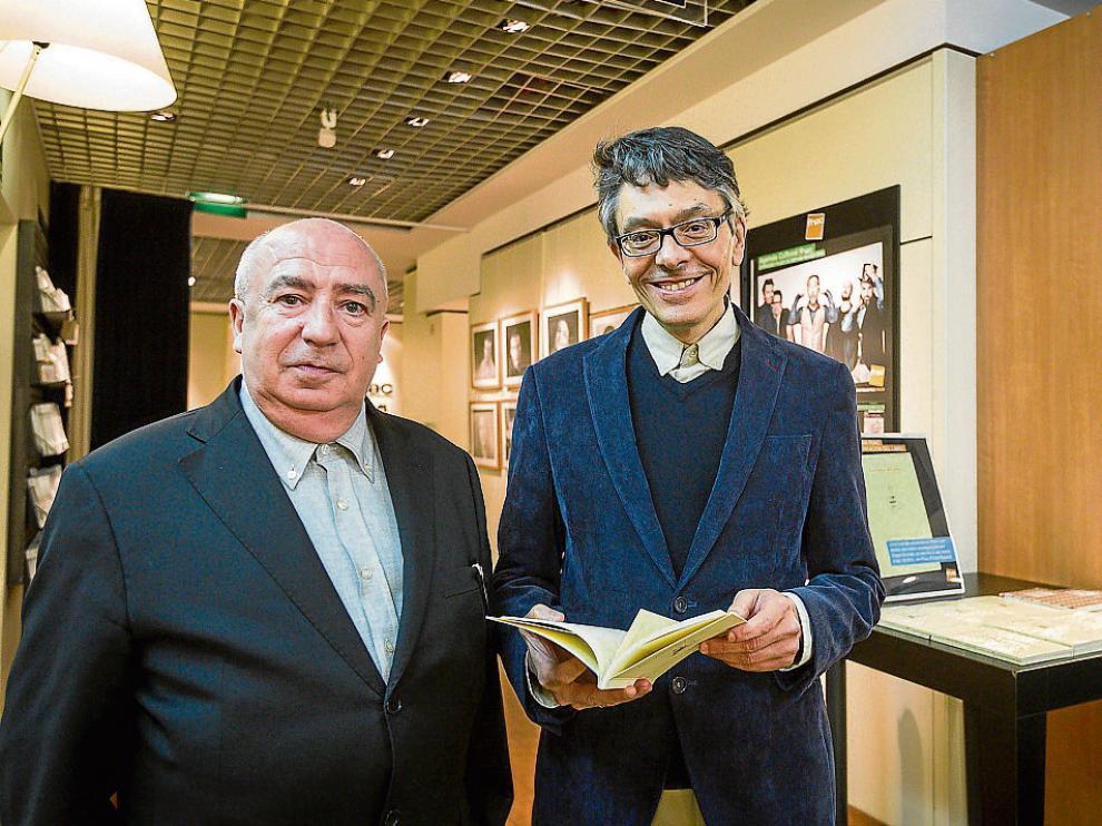 José Cereijo –derecha– estuvo acompañado en la presentación por el zaragozano Ángel Guinda.