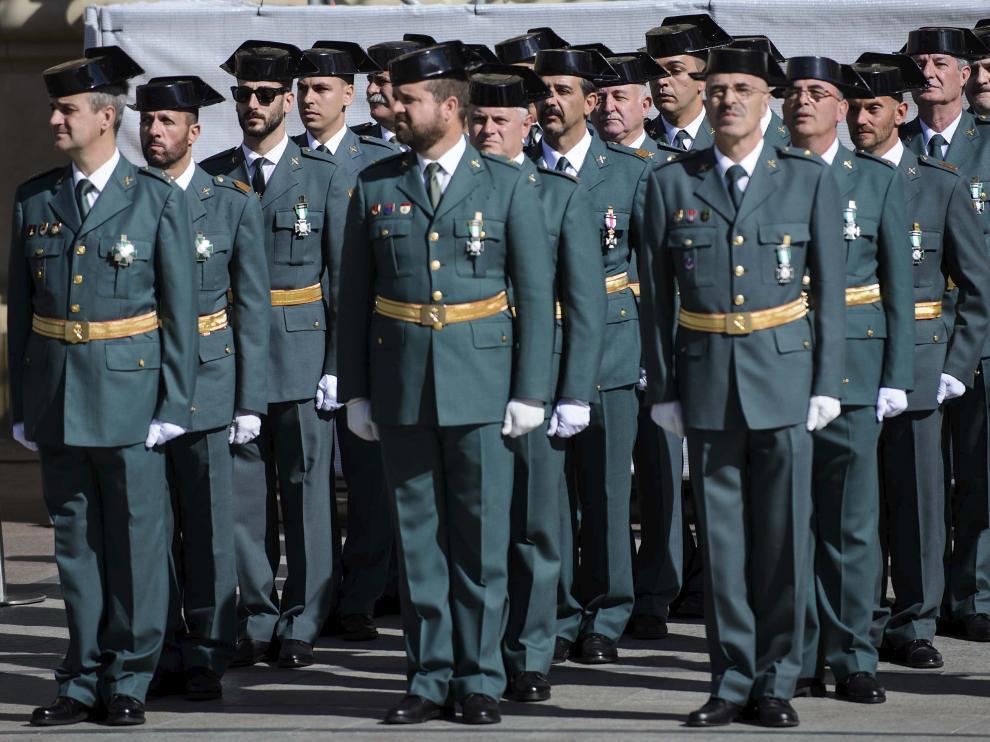 Imagen de archivo de un grupo de guardias civiles en formación durante un acto solemne en Zaragoza.