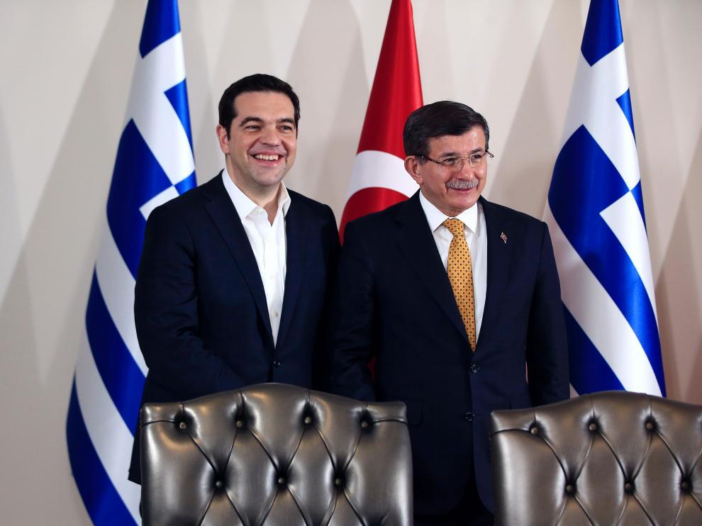 Tsipras y Davutoglu, este martes.