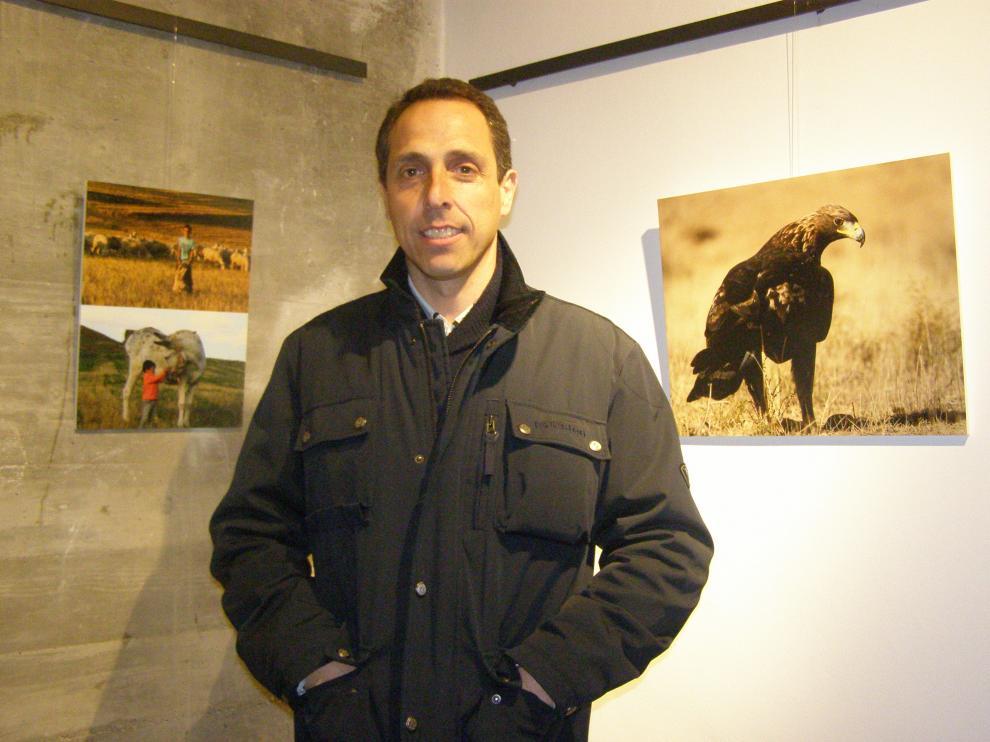 El autor de la exposición, Ismael González, es agente forestal de Tarazona.