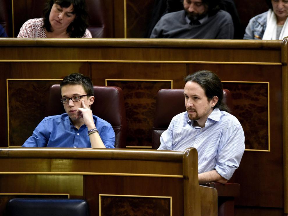 Iglesias junto a Errejón en el pleno del Congreso de los Diputados