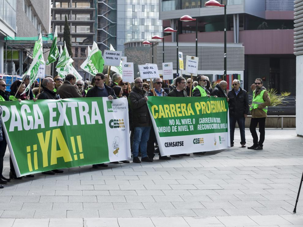 Protesta de los médicos ante la DGA