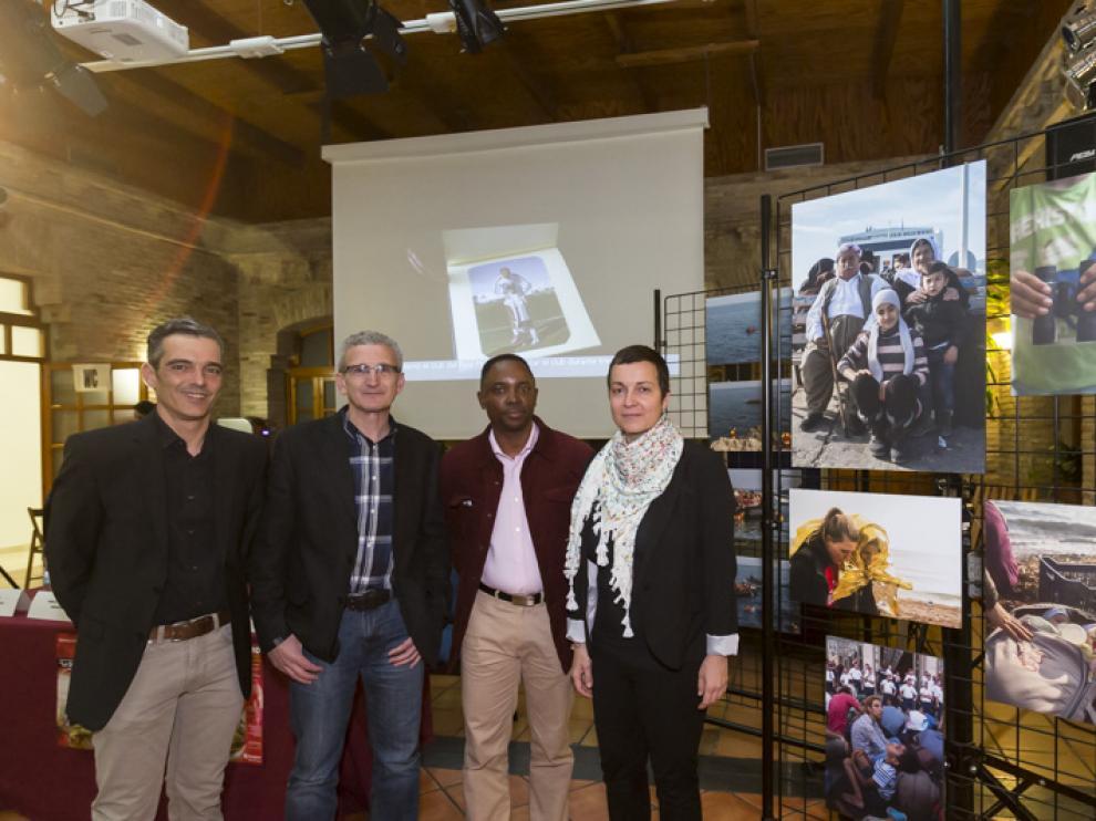 Pablo Carreras, Ignacio Celaya, Kossi Simeon Atchakpa y María Torres-Solanot, en la Casa de las Culturas antes de la presentación de ?´La dignidad`.
