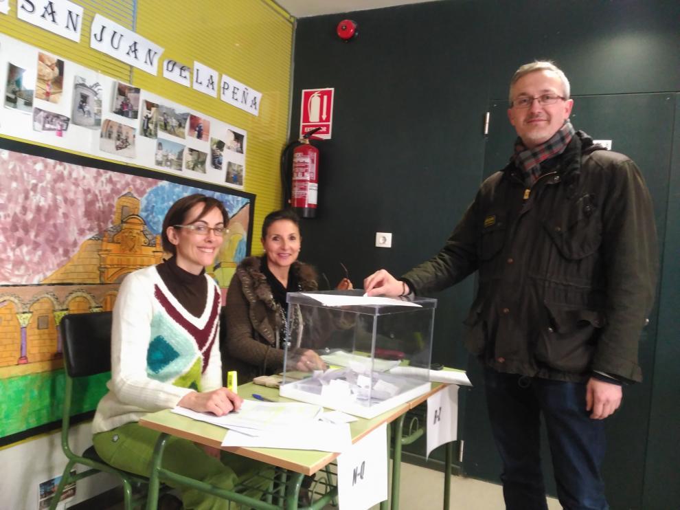 Votación la semana pasada en el colegio San Juan de la Peña de Jaca.