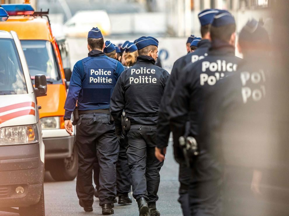 La policía belga en el dispositivo especial desplegado tras los atentados de Bruselas.