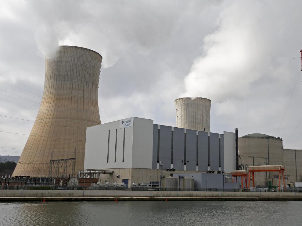 Central nuclear de Tihange, una de las dos plantas a gran escala en Bélgica.