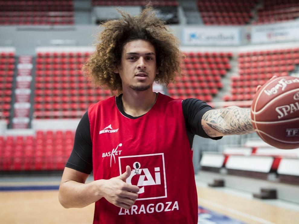 Isaac Fotu, jugador del CAI Zaragoza