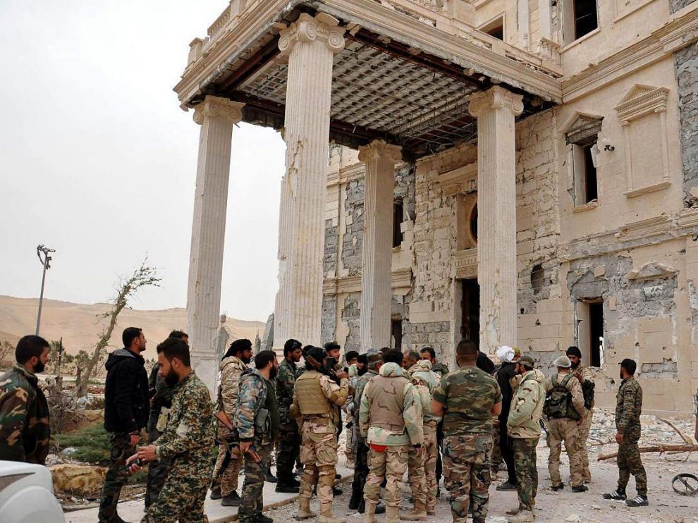 El Ejército sirio recupera la ciudad de Palmira.