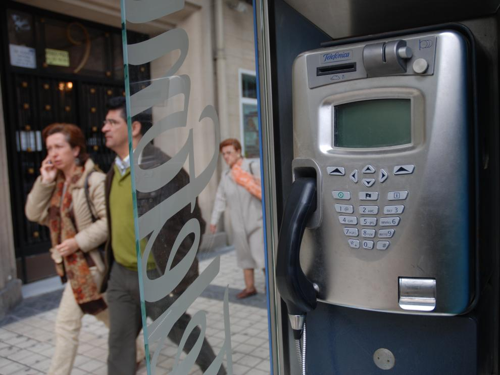 Medio millar de cabinas telefónicas sobreviven en Aragón