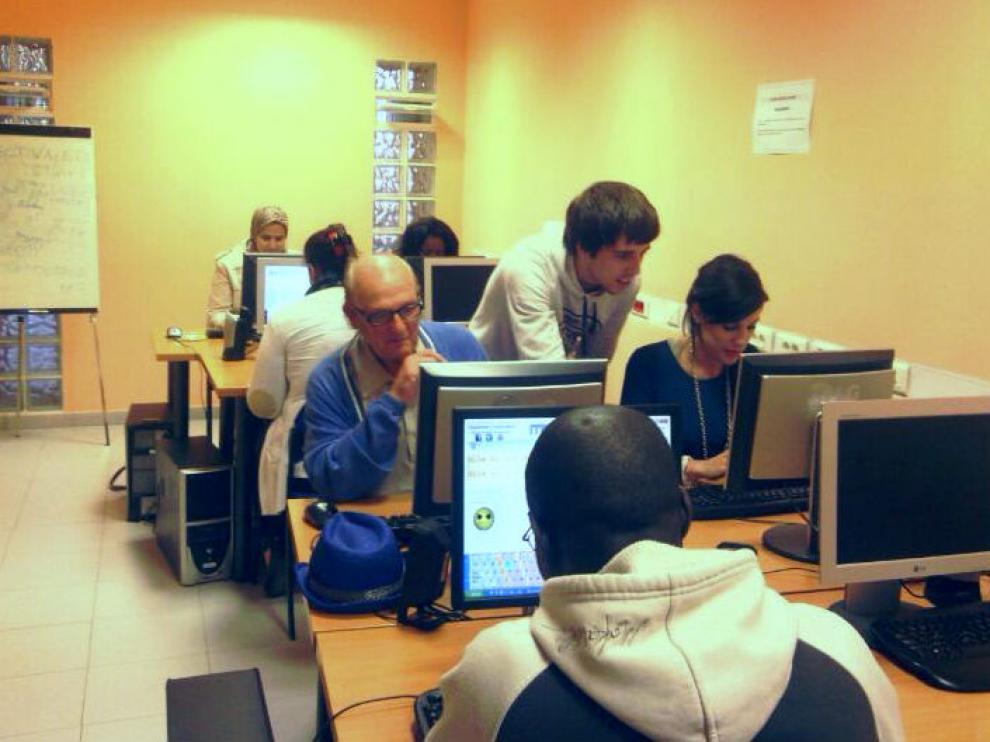 Programa Solidarios y Distrito Erasmus de Zaragoza Vivienda