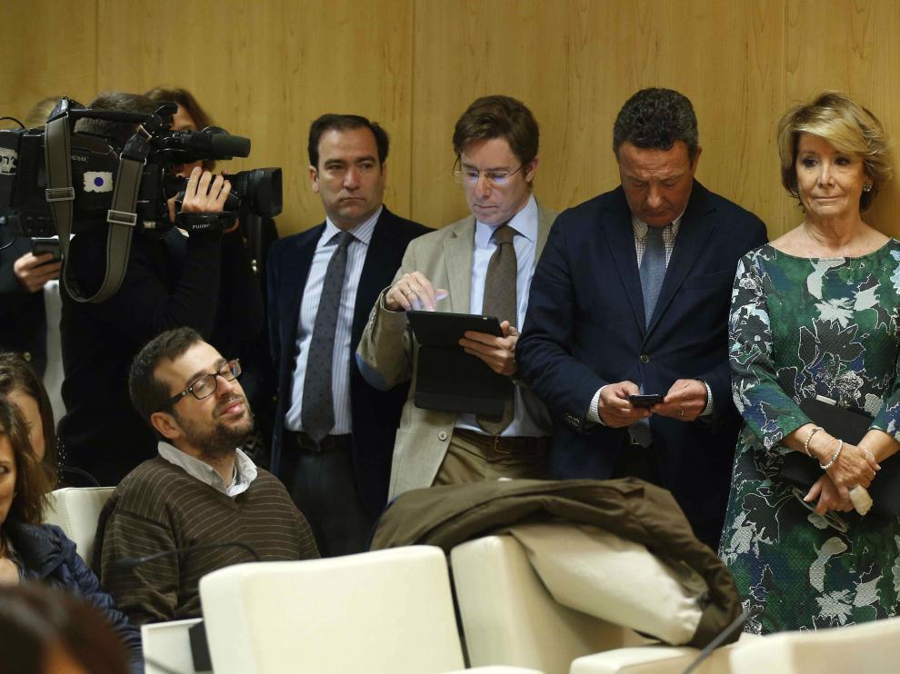 Los concejales del PP en el Ayuntamiento de Madrid durante la rueda de prensa que la alcaldesa.