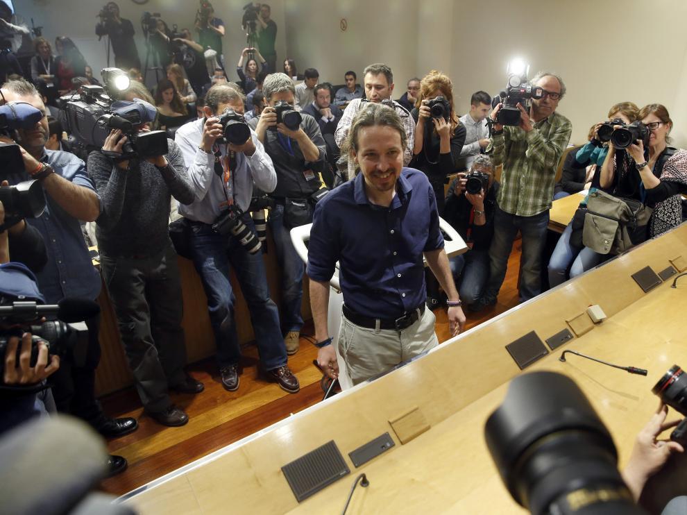 Fotografía de archivo del encuentro de Pedro Sánchez y Pablo Iglesias