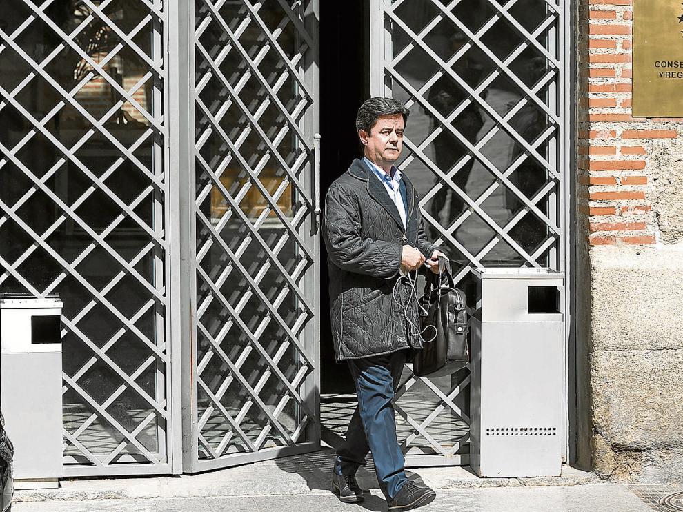 El alcalde de Huesca, Luis Felipe, asistió ayer en Madrid a una reunión en la Federación Española de Municipios y Provincias.