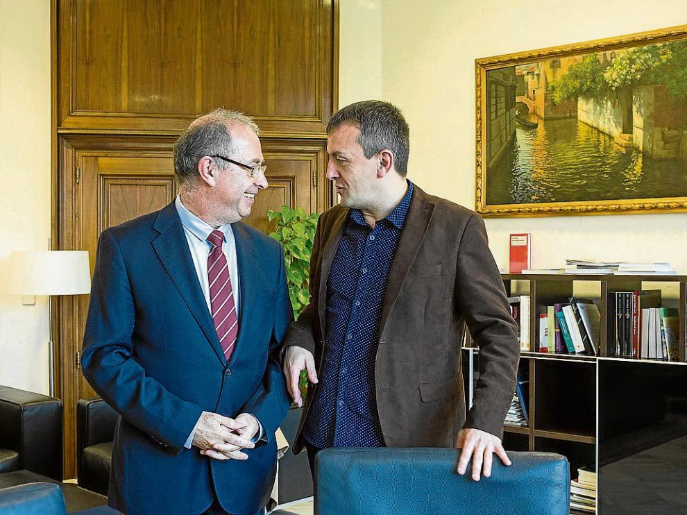 Fernando Gimeno y Fernando Rivarés, responsables de las cuentas de DGA y del Ayuntamiento.