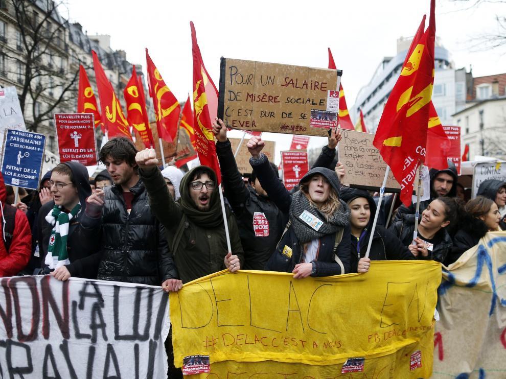 Imágenes de las protestas contra la reforma laboral de Hollande en París.