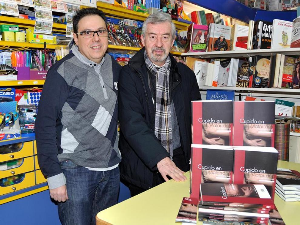 Firmas de libros en la Librería Serret de Valderrobres.