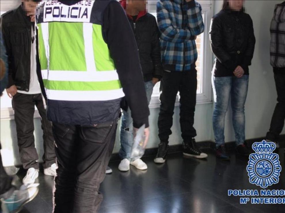 El Supremo declaró estas bandas ilegales. En la imagen, la detención de varios integrantes de una de ellas.
