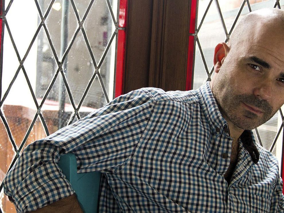 El escritor argentino Eduardo Sachieri, ganador del premio Alfaguara con 'La noche en la usina'