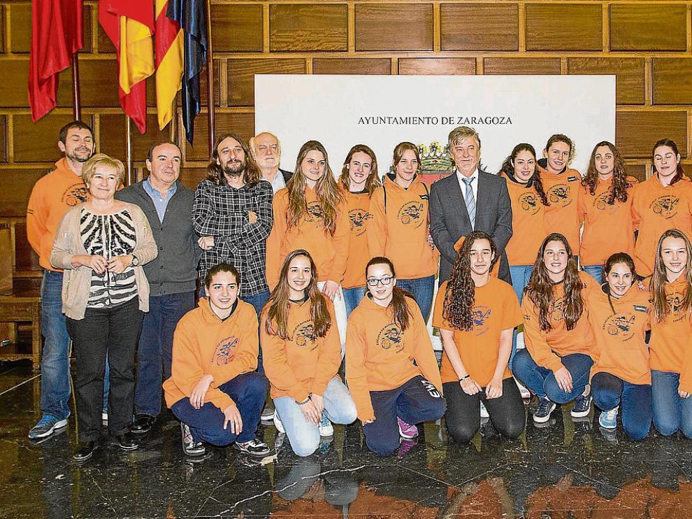 Plantilla, técnicos y directivos de la EWZ visitaron esta semana al alcalde, Pedro Santisteve.