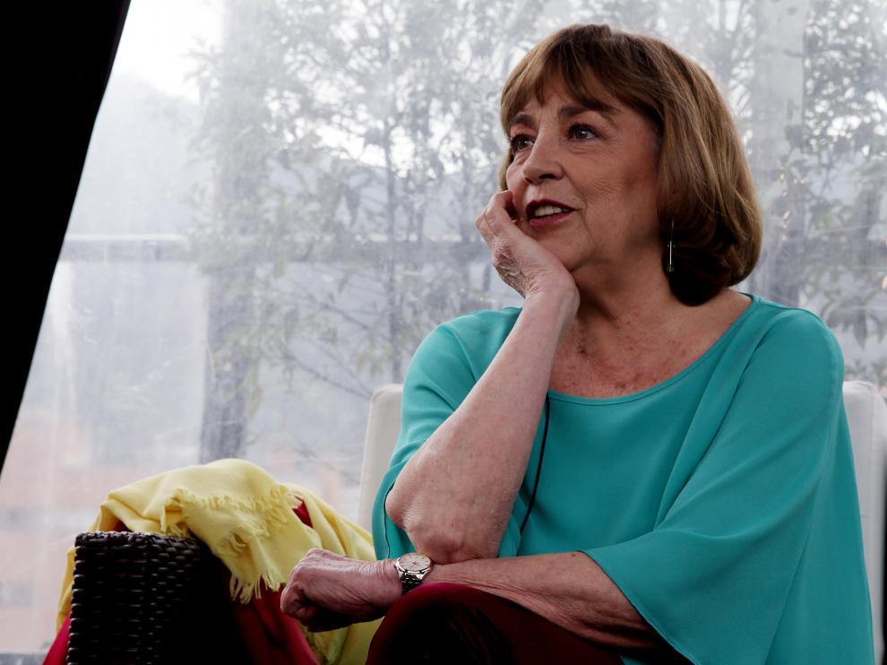 Carmen Maura durante una entrevista en Bogotá, Colombia.