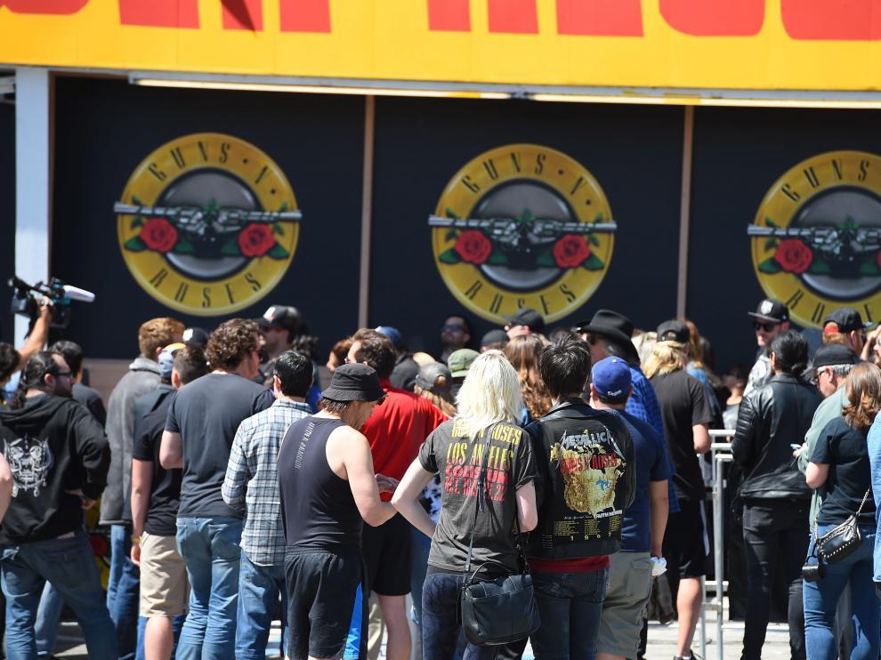 Fans de Guns N' Roses en una foto de archivo.