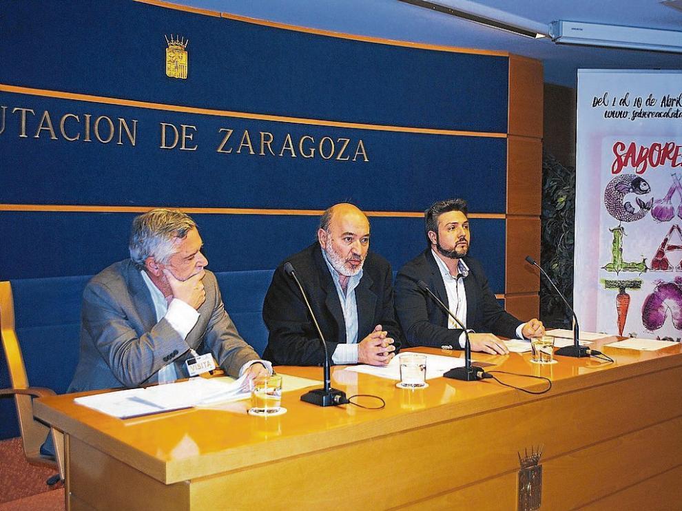 Jorge Bernués, José Manuel Aranda y Sergio Gil, durante la presentación de las jornadas en Zaragoza.