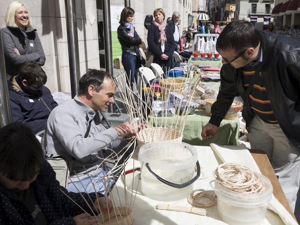 Una muestra de productos de artesanía elaborados por personas discapacitadas y comercializados por la marca Artánima en Huesca.