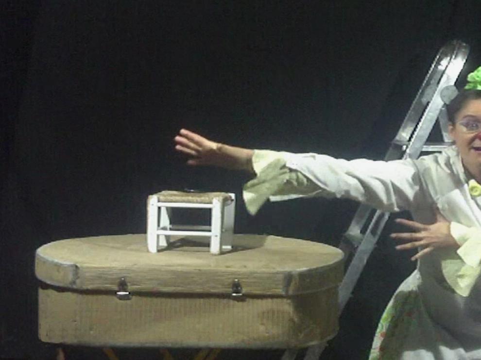 La actriz Helena Castillo interpreta a la doctora Aspasia en la obra Cosmoagonía.