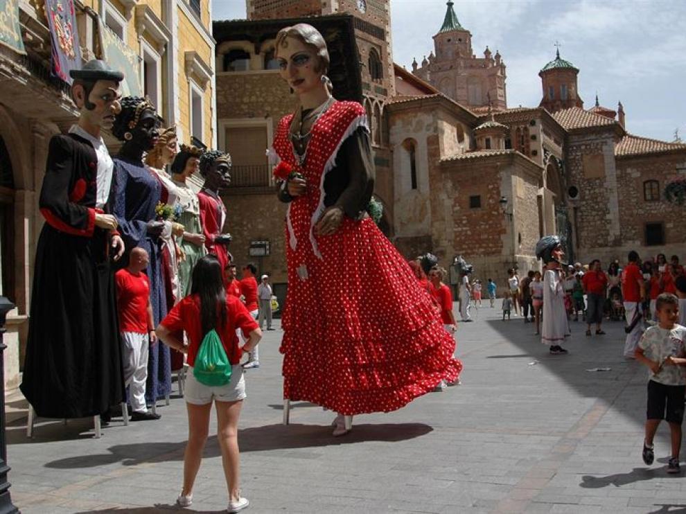 Los amantes de Teruel serán la cuarta pareja de la comparsa de gigantes de la ciudad.