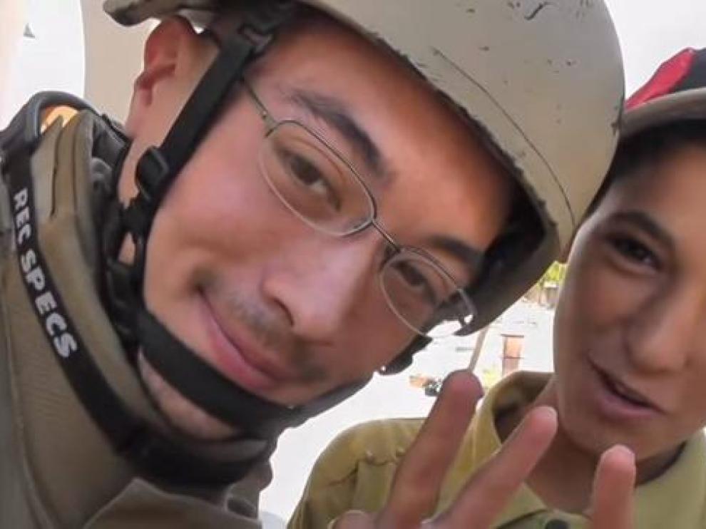 Kevin Patrick Dawes (izquierda), el supuesto fotógrafo estadounidense liberado tras permanecer detenido en Siria desde 2012.
